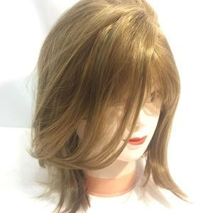 "NWT 14"" Free Part Blonde Mix Wig"